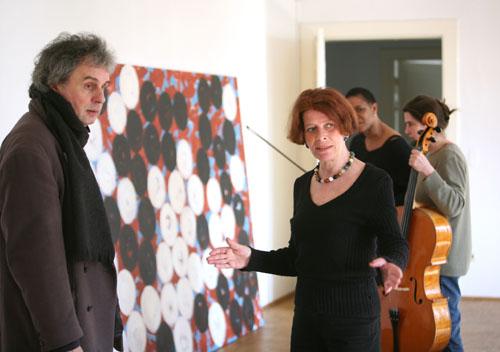 Aufbau im Kulturforum Lüneburg mit Nema Heiburg April 2007