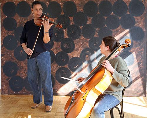 Improvisation zur Ausstellungseröffnung, Stefanie Schmoeckel und Kathy Kelsh