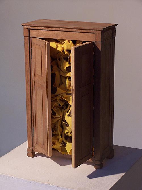 'innen einrichten 1989 – 2009' Holz u.a., Höhe ca. 33 cm