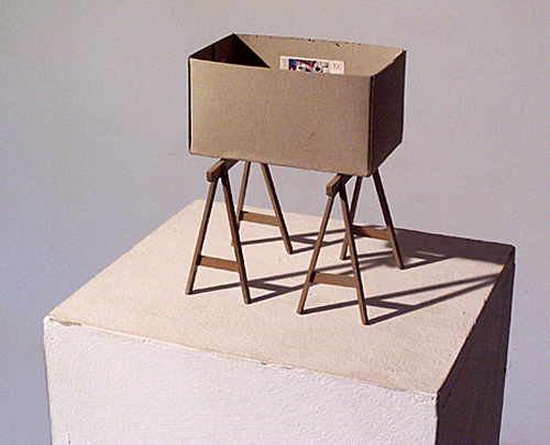 'innen einrichten 1989 – 2009' Holz u.a., Höhe ca. 19 cm